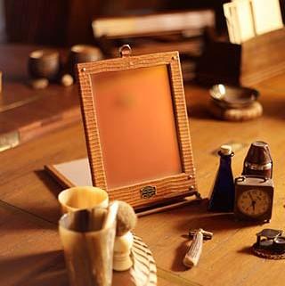 Safari Travel Mirror