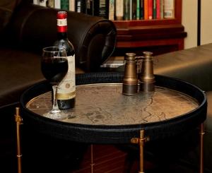 safari wine table closeup